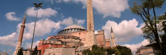 Η Κωνσταντινούπολη ξυπνά αναμνήσεις