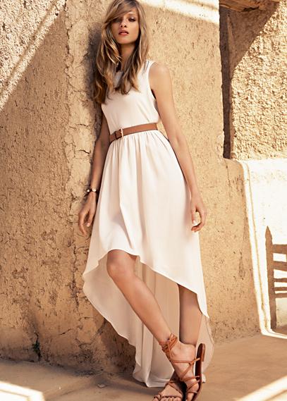 Λευκά καλοκαιρινά φορέματα